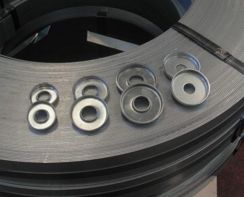 Scodellino per molla tirante ascensore. Prodizione di diverse misure a seconda del diametro del tirante e della molla.