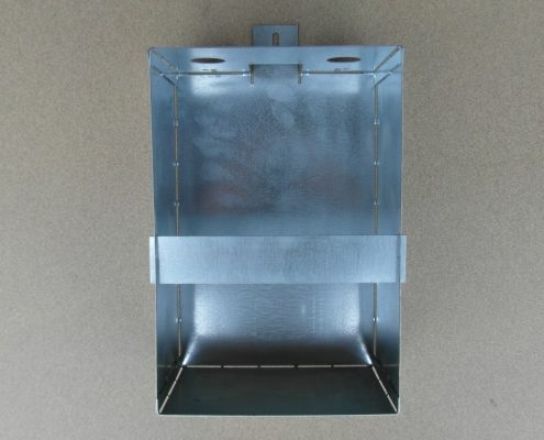 Supporto per contenitore recupero olio ascensore.